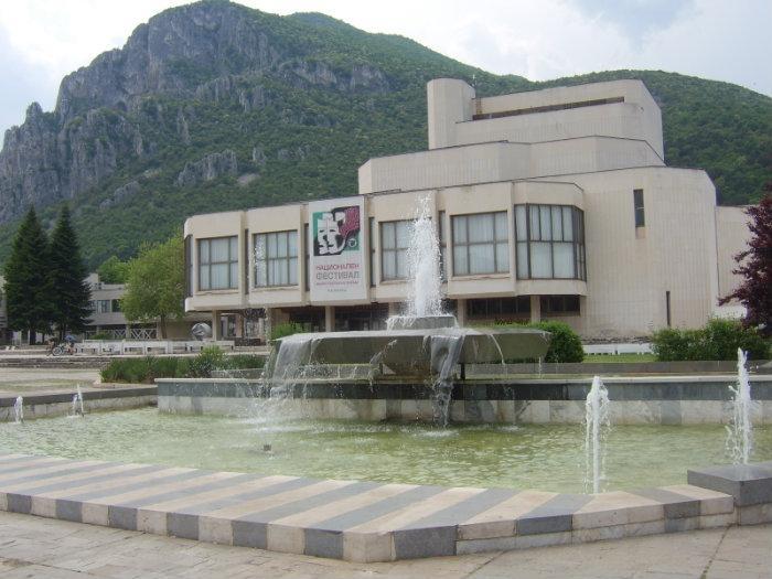 Полицията поиска да се прекрати преписката срещу врачанския театър