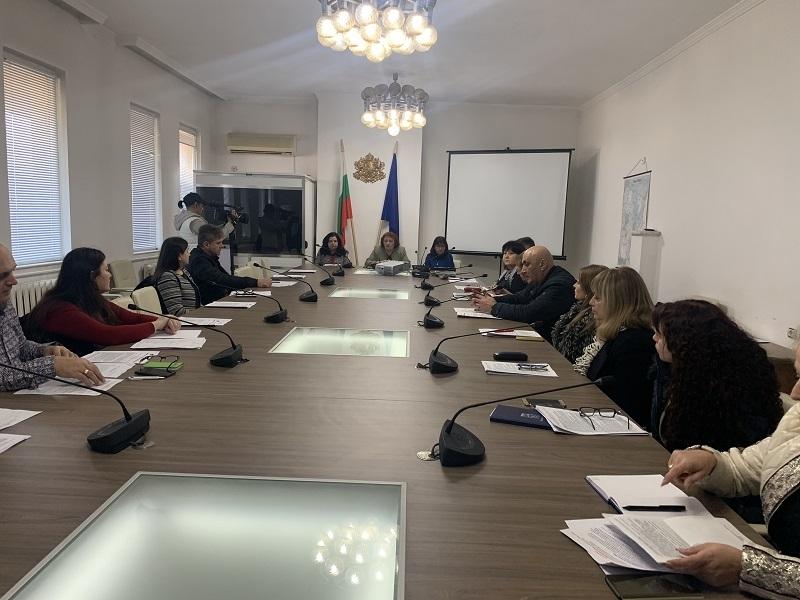 Областният управител Малина Николова председателства първото заседание на Областния оперативен