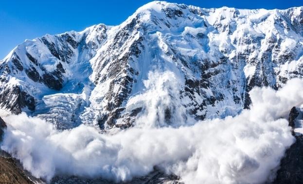 Хубавото време през уикенда доведе стотици скиори в планините. Спасителите
