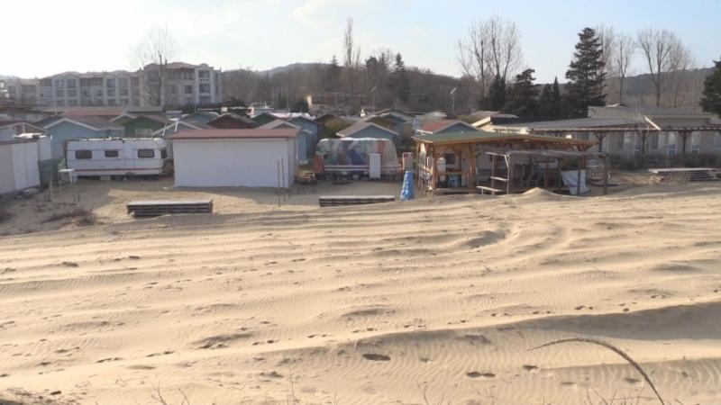 """Снимка: Експертиза: Дюната на къмпинг """"Смокиня"""" е безвъзвратно унищожена"""