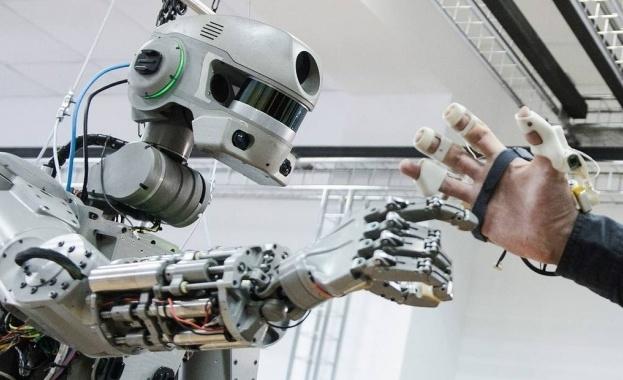"""Руският робот """"Фьодор"""" излетя в Космоса. Ракета-носител изведе човекоподобния робот"""