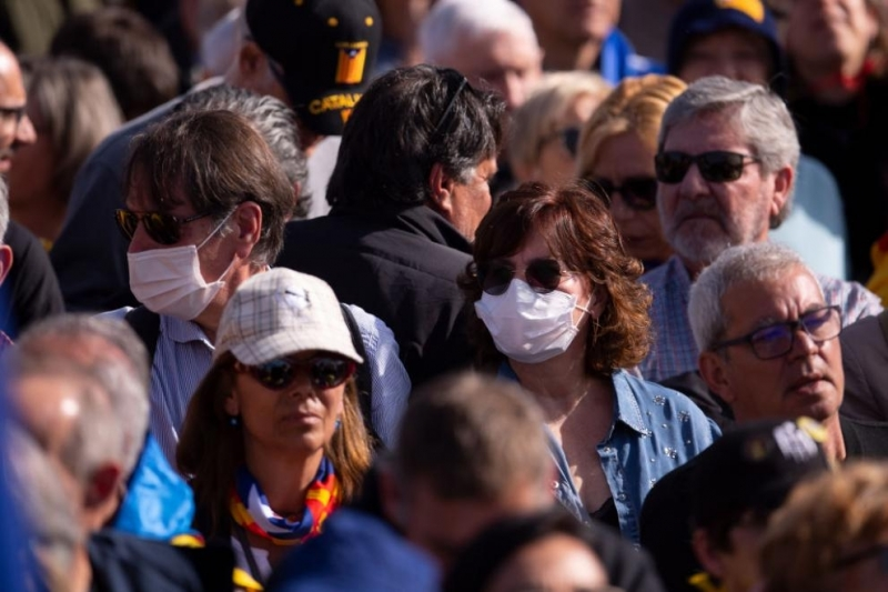 Властите на испанската автономна област Каталуния въведе задължително носене на