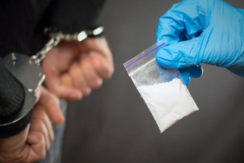 Снимка: Задържаха младеж без книжка, шофирал след употреба на коктейл от наркотици