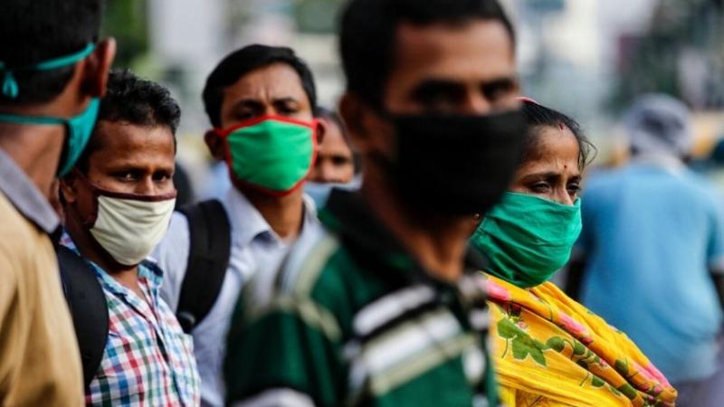 Индия регистрира днес по-малко от 100 000 нови случая на