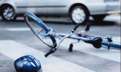 Автобус на градския транспорт е блъснал 79-годишен велосипедист на пешеходна