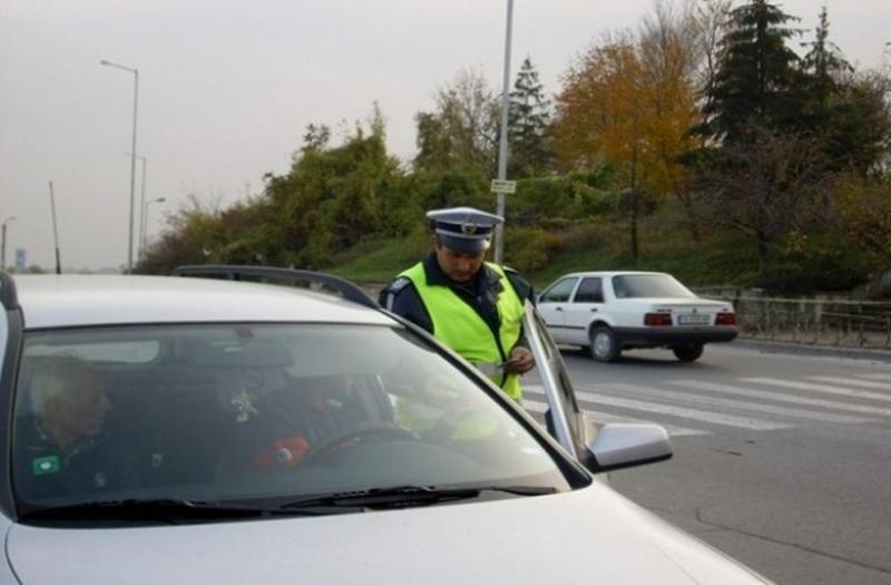 Спрели са автомобил с прекратена регистрация във Врачанско, съобщиха от