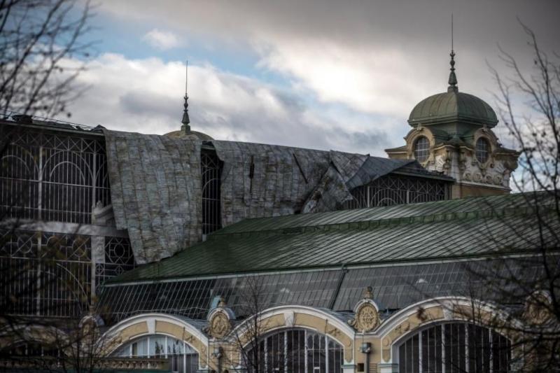 Ураганен вятър остави без ток 140 000 домакинства в Чехия