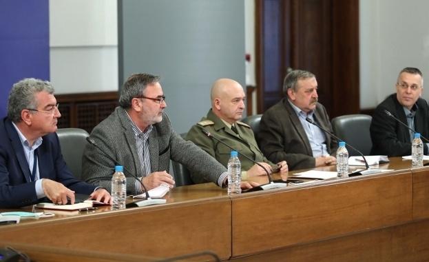 Началникът на оперативния щаб ген. Венцислав Мутафчийски отказа да коментирадумите