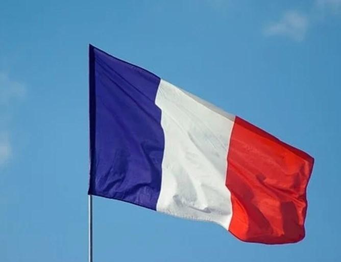 Френските власти заявиха днес, че затягат контрола на границата с
