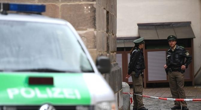 Мъж с нож нахлу в германска психиатрия и взе заложник,