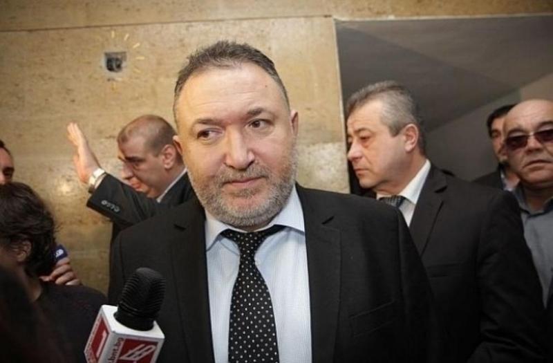 Кметът на Карлово Емил Кабаиванов е осъден на пробация от