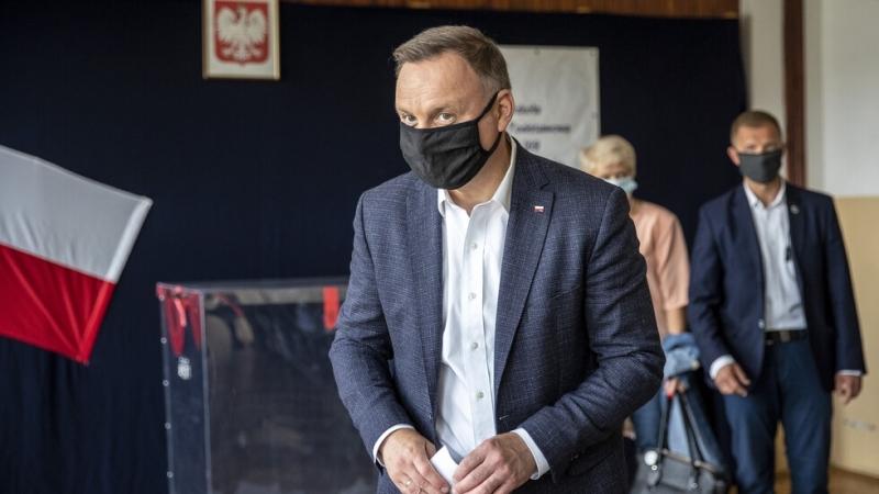 Полският президент Анджей Дуда е дал положителен тест за коронавирус,