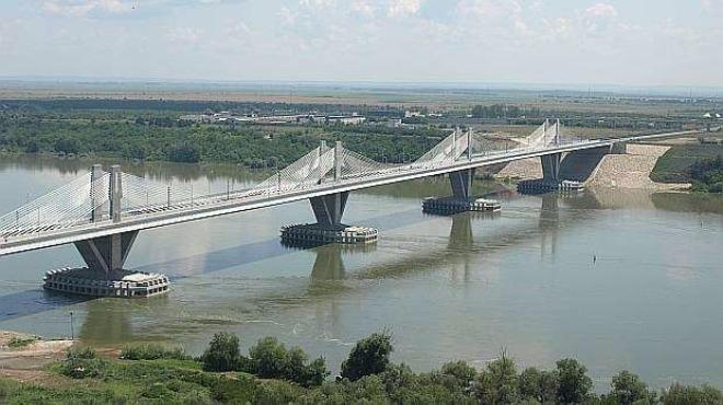 """На ГКПП """"Дунав мост 2"""" при влизане и излизане от"""