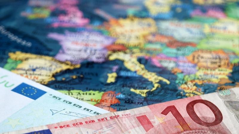 България ще получи одобрение да влезе в чакалнята на еврозоната.