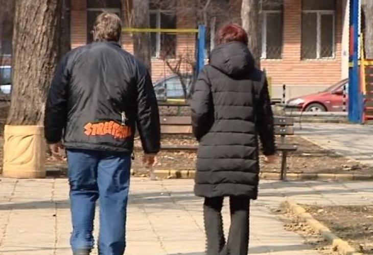 Снимка: Нагли измамници оставиха брат и сестра без имот за хиляди евро