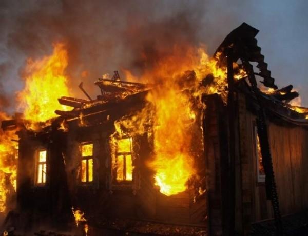 Къща е била запалена умишлено във Видинско, съобщиха от МВР.