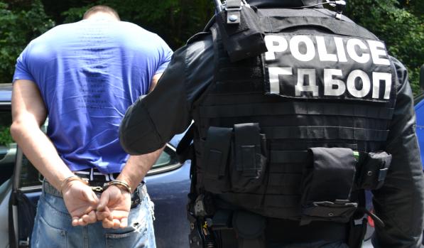 Над 17 души са задържани за трафик на мигранти, каза