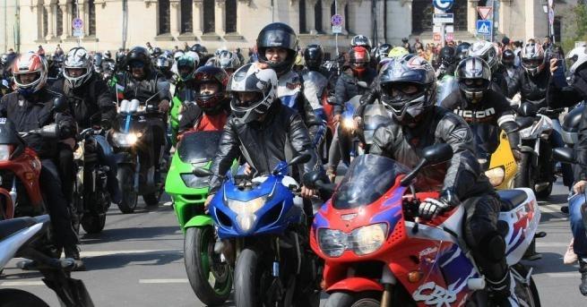 Започватзасилени проверки на водачите на мотоциклети,като ще се следи за