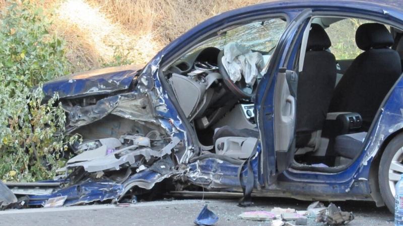 Кола с румънска регистрация итежкотоварен камион катастрофираха на пътя Русе