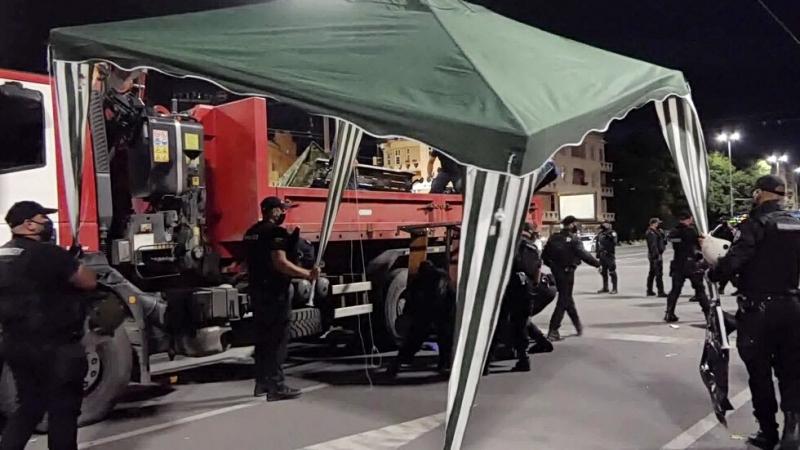 """Полицията разпространи кадри от премахването на палатковия лагер на """"Орлов"""