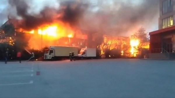 Пожар е възникнал във фирмен цех за пелети в монтанското