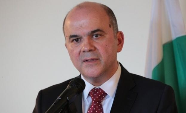 Бисер Петков: Предлагаме три варианта за плащането на втората пенсия