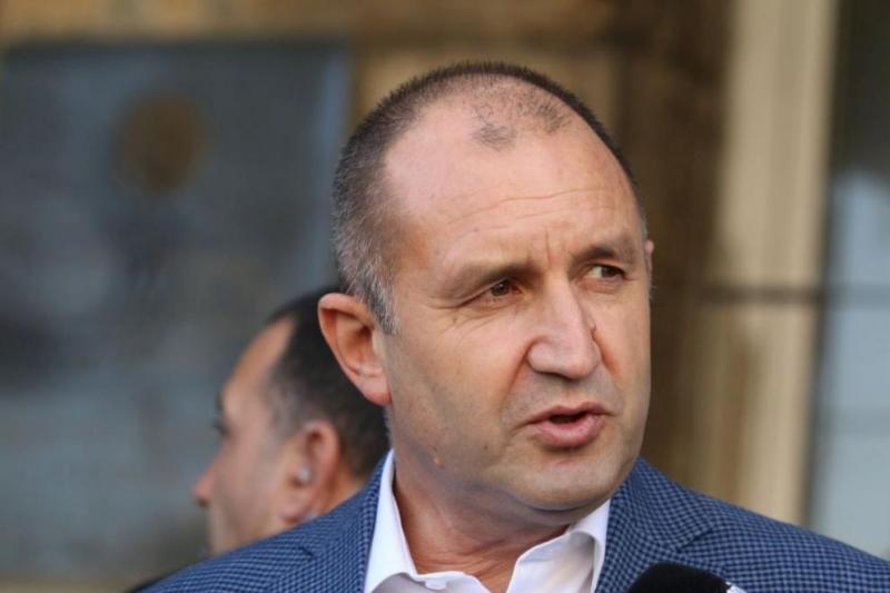 Румен Радев: Борисов се опитва да скрие скандала с подслушването в зайчарника