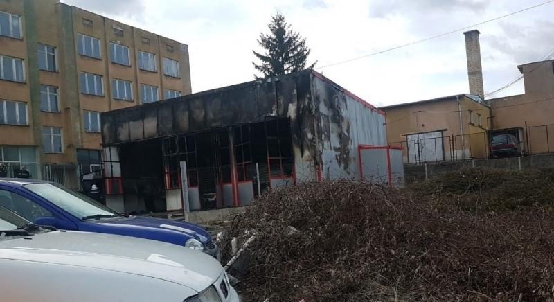 Първо в BulNews! Ето чия е изгорялата сграда в Монтана