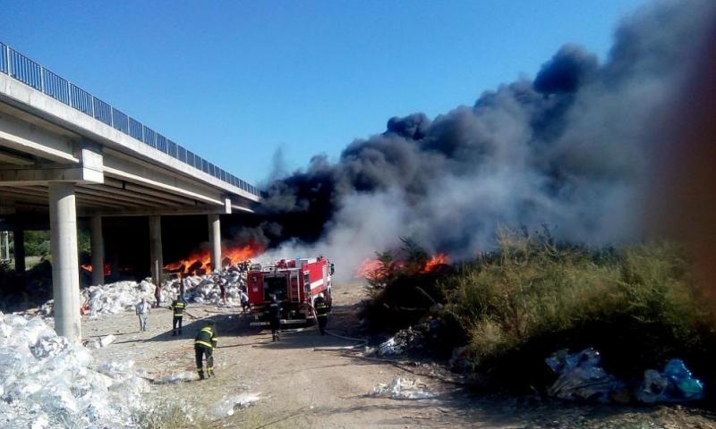 Собственикът на фирмата, която управлява депото за отпадъци, запалили се