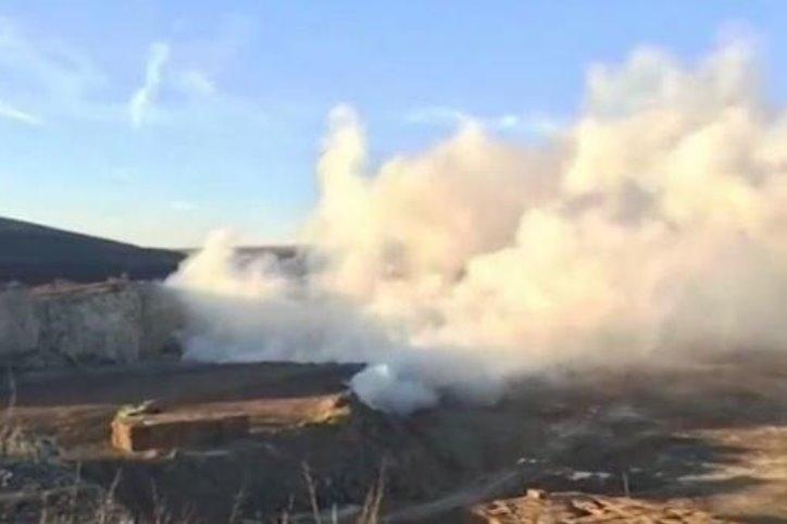 Огромен пожар изпепели 5 000 бали в бившите овчарници на