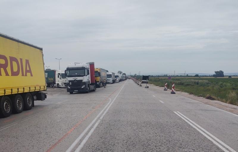 """14-километрова опашка се образува на """"Дунав мост 2"""" при Видин,"""