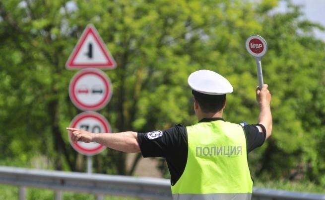 Хванали са неправоспособен шофьор във Врачанско, съобщиха от полицията. На