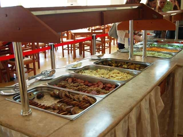 Над 280 килограма негодни храни са иззетипри проверкина Българската агенция