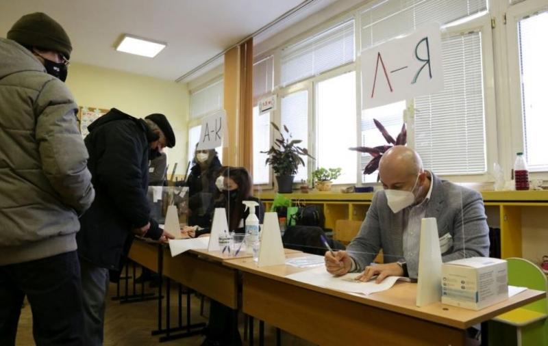 Централната избирателна комисия определи възнагражденията на членовете на районните и