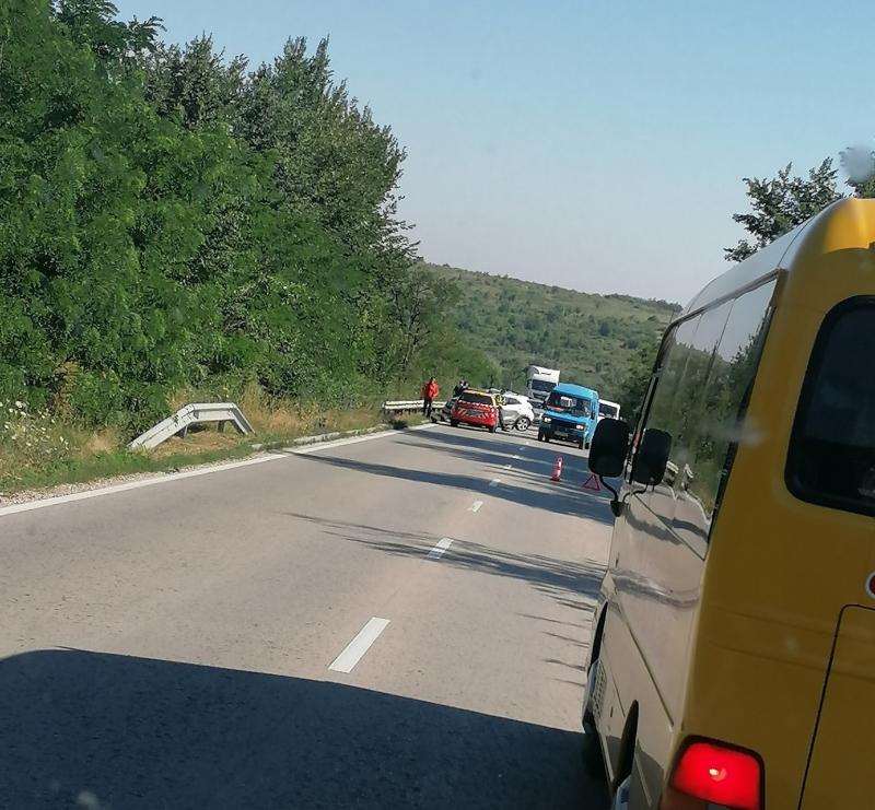 Извънредно! Катастрофа блокира трафика по Е-79 между Монтана и Видин