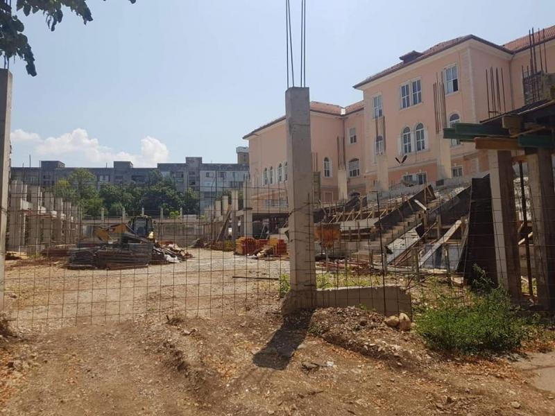 Снимка: Прекратиха договора за строежа на спортната зала на училище Христо Ботев във Враца