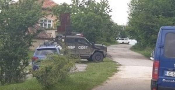 Напрегнато е в Костенец, има известна доза страх у хората.
