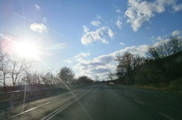 Временно е ограничено движението по път II-15 между Мизия и