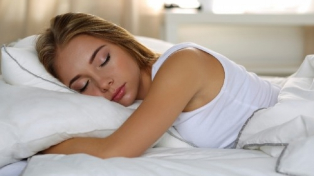 Хората, които спят по-малко от 7 часа се простудяват три