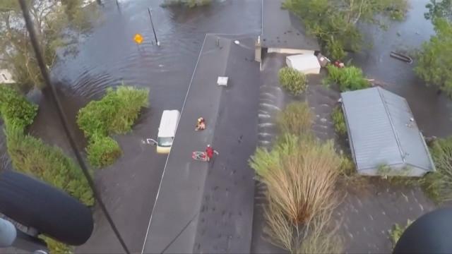 """35 станаха жертвите на урагана """"Флорънс"""" в САЩ. Жителите на"""