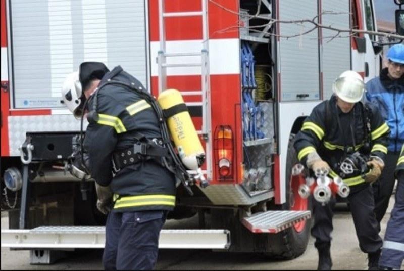 Пожар в къща във врачанско село е вдигнал на крак