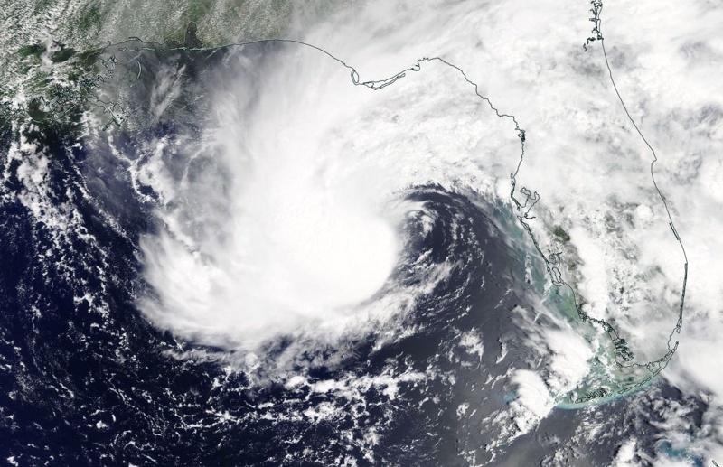 Американският щатМериленде под вода, хиляди се евакуирани в щатаФлорида, а