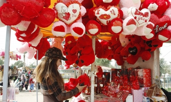 """Любовна математика: Колко пари ще пръснем за """"Свети Валентин""""?"""
