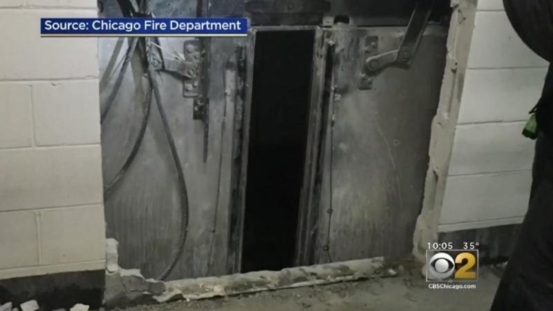 Шестима души, включително бременна жена, пропаднаха с асансьор от 95-ия