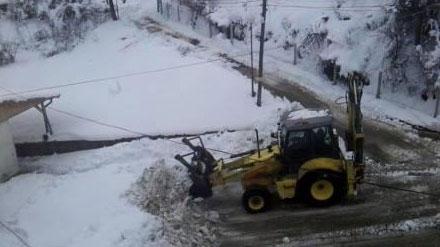 Закъсал камион откъсна от света видинско село