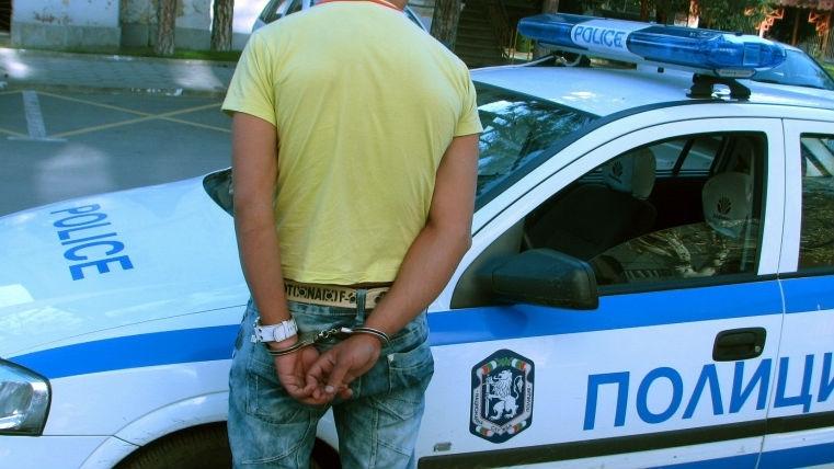Непълнолетно момче е хванато вчера с дрога във Видин, съобщиха