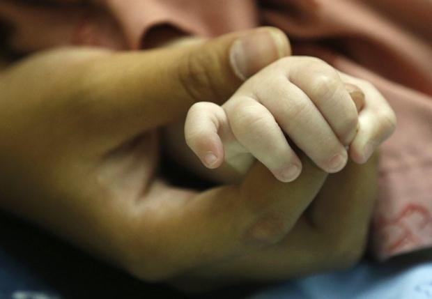 Служители от Второ РУ изясняват случай на пострадало тримесечно бебе,