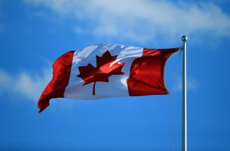 Канада вече с полово неутрален химнКанадапроменинационалниясихимн, за да е полово