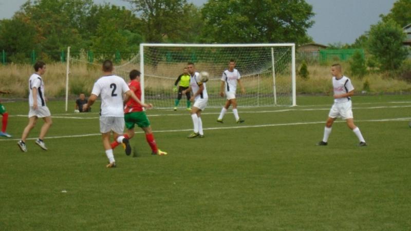 Приятелски футболен мач се проведе в Ново село между юношите