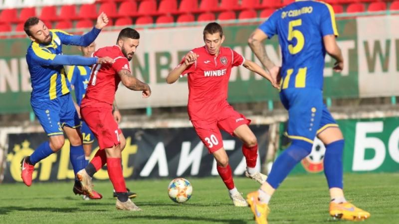 """""""Ботев"""" II и """"Севлиево"""" завършиха 0:0 във Враца"""